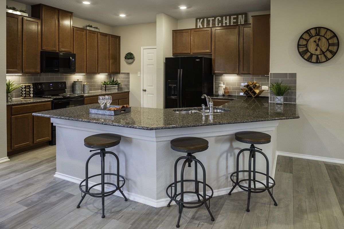 New Homes in Georgetown, TX - La Conterra - Heritage Collection Plan 1647 Kitchen