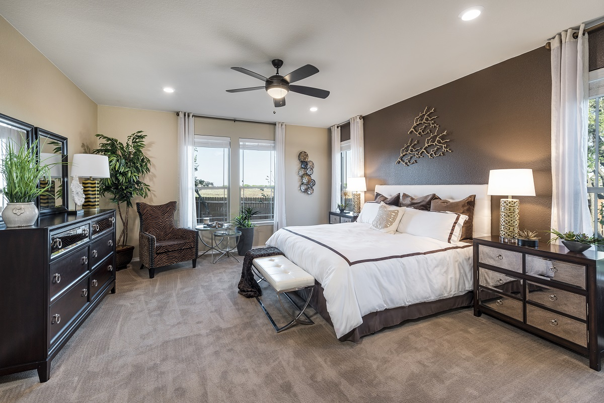 New Homes in Leander, TX - Mason Hills - The Lakes Hallmark Collection Plan L-2858 Master Bedroom