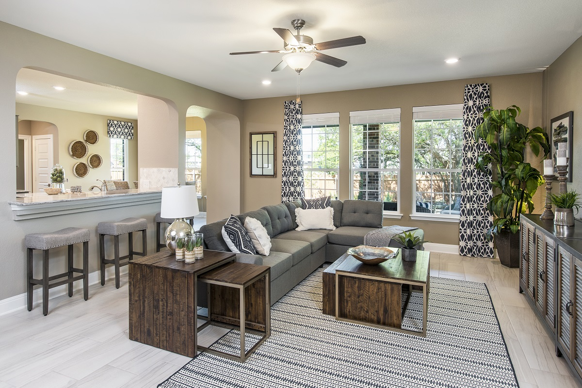 New Homes in Leander, TX - Mason Hills - The Lakes Hallmark Collection Plan A-3125 Great Room
