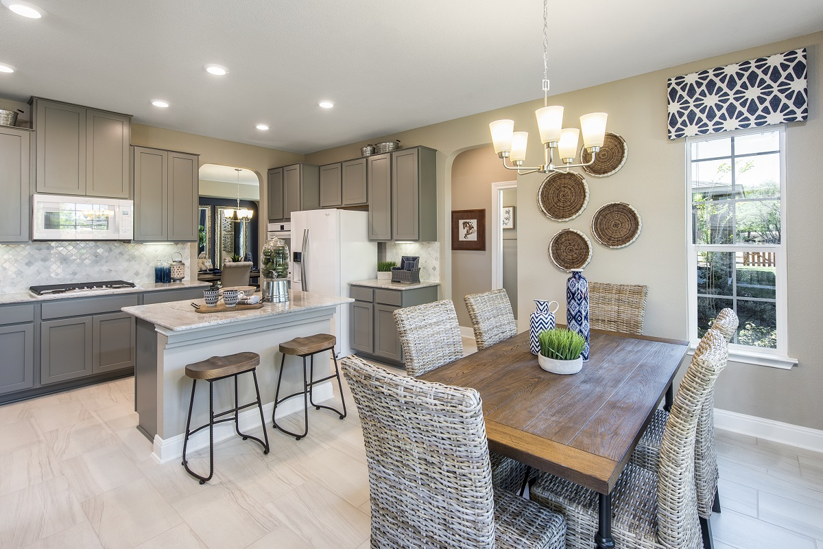 New Homes in Leander, TX - Mason Hills - The Lakes Hallmark Collection Plan A-3125 Kitchen and Breakfast Nook
