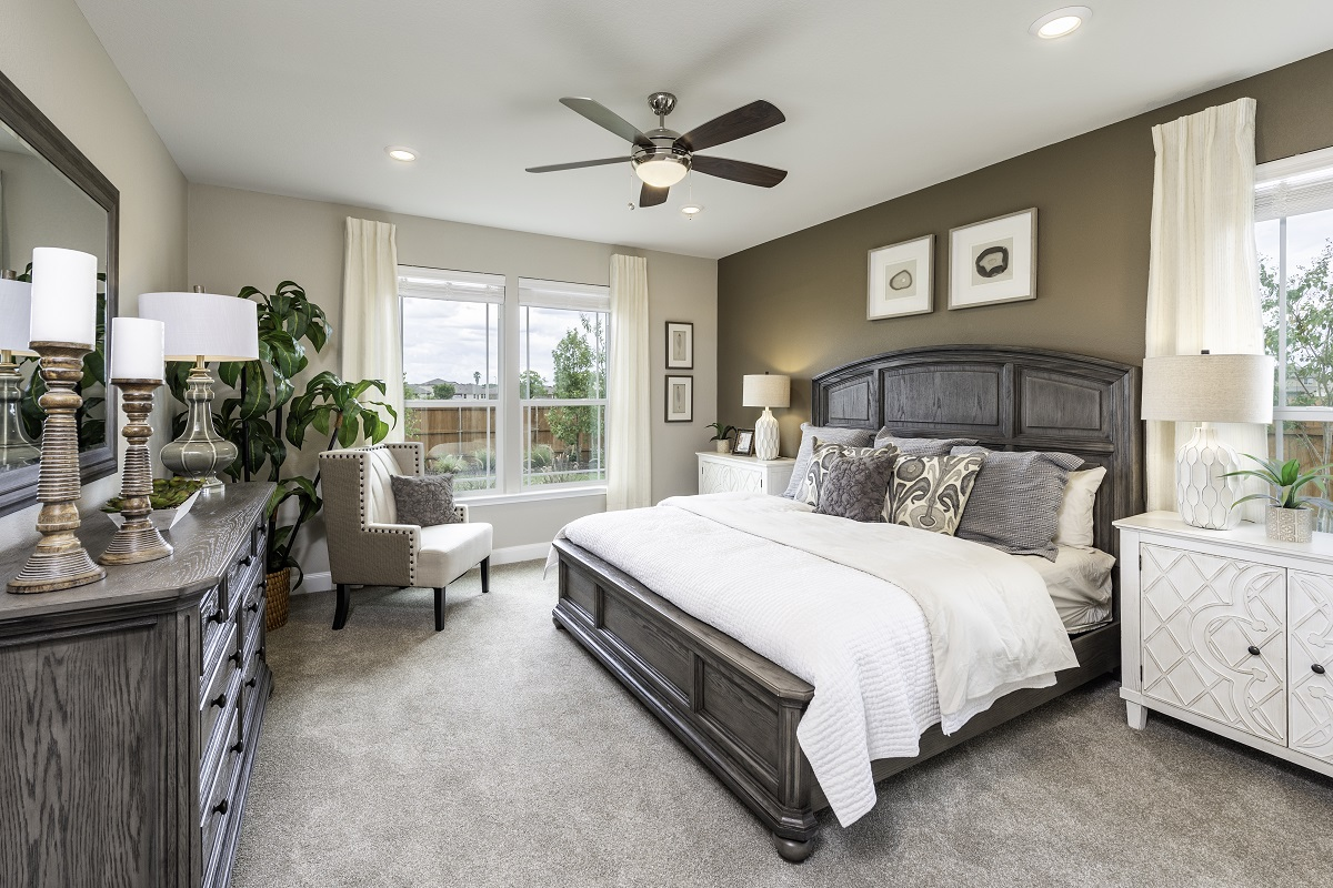 New Homes in Lockhart, TX - Meadows at Clearfork Plan 2502 Master Bedroom