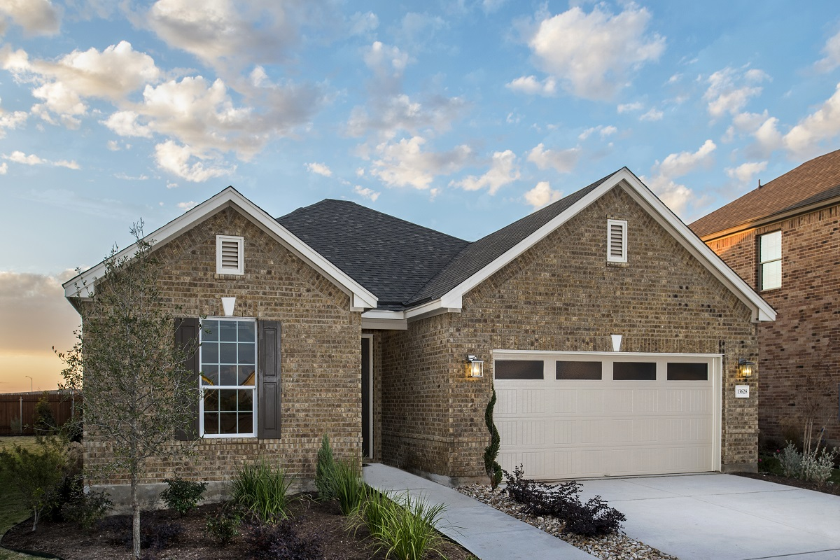 New Homes in Manor, TX - Presidential Meadows - Classic Collection Plan 1675