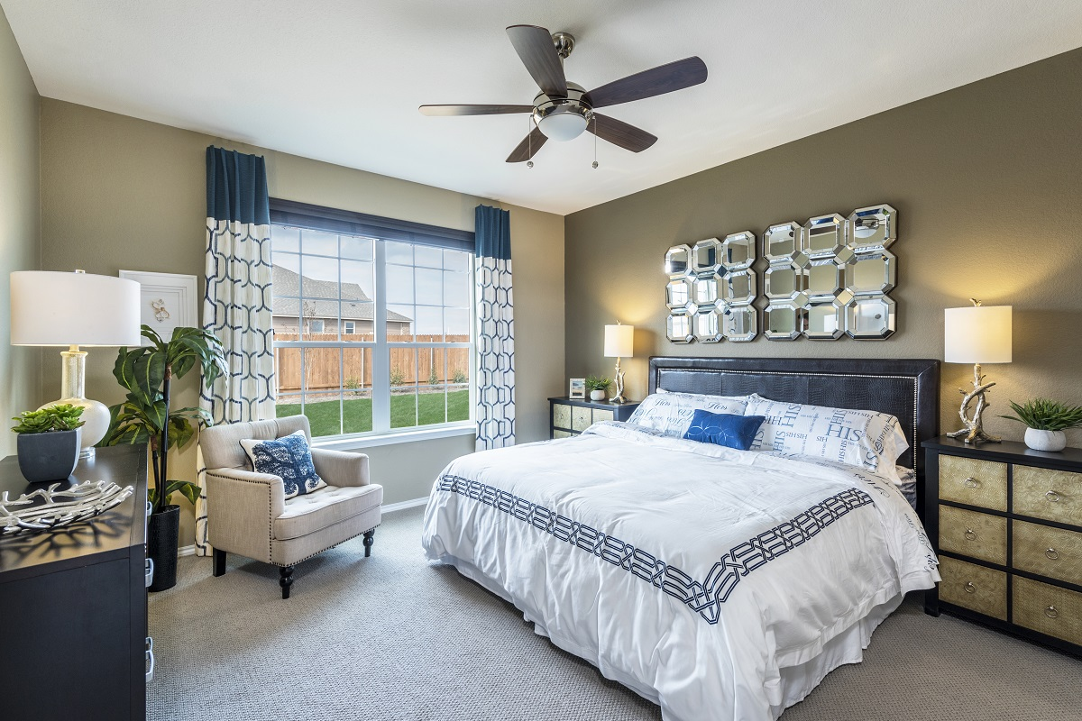 New Homes in Manor, TX - Presidential Meadows - Classic Collection Plan A-1675 Master Bedroom