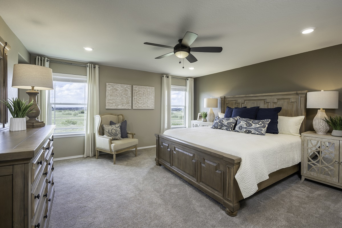 New Homes in Elgin, TX - Saratoga Farms Plan E-2403 Master Bedroom