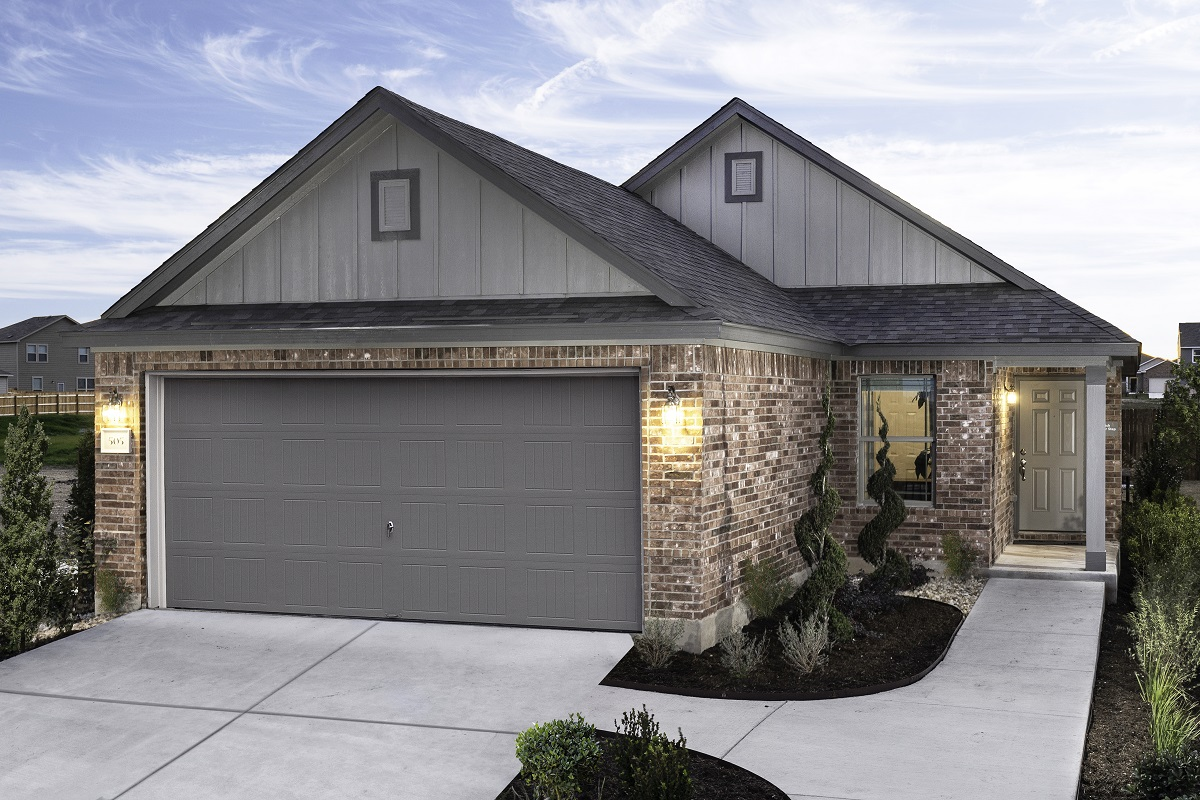 New Homes in Jarrell, TX - Plan 1353 Modeled