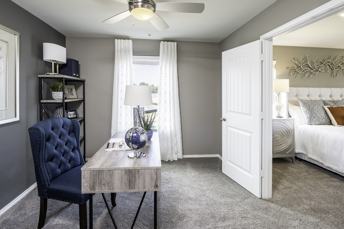 New Homes in Kyle, TX - Sunset Hills Plan A-3475 Master Retreat