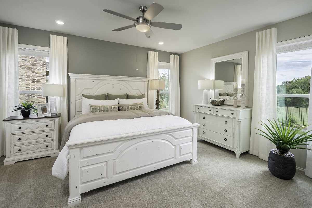 New Homes in Hutto, TX - Villas at Star Ranch Plan E-2412 Master Bedroom