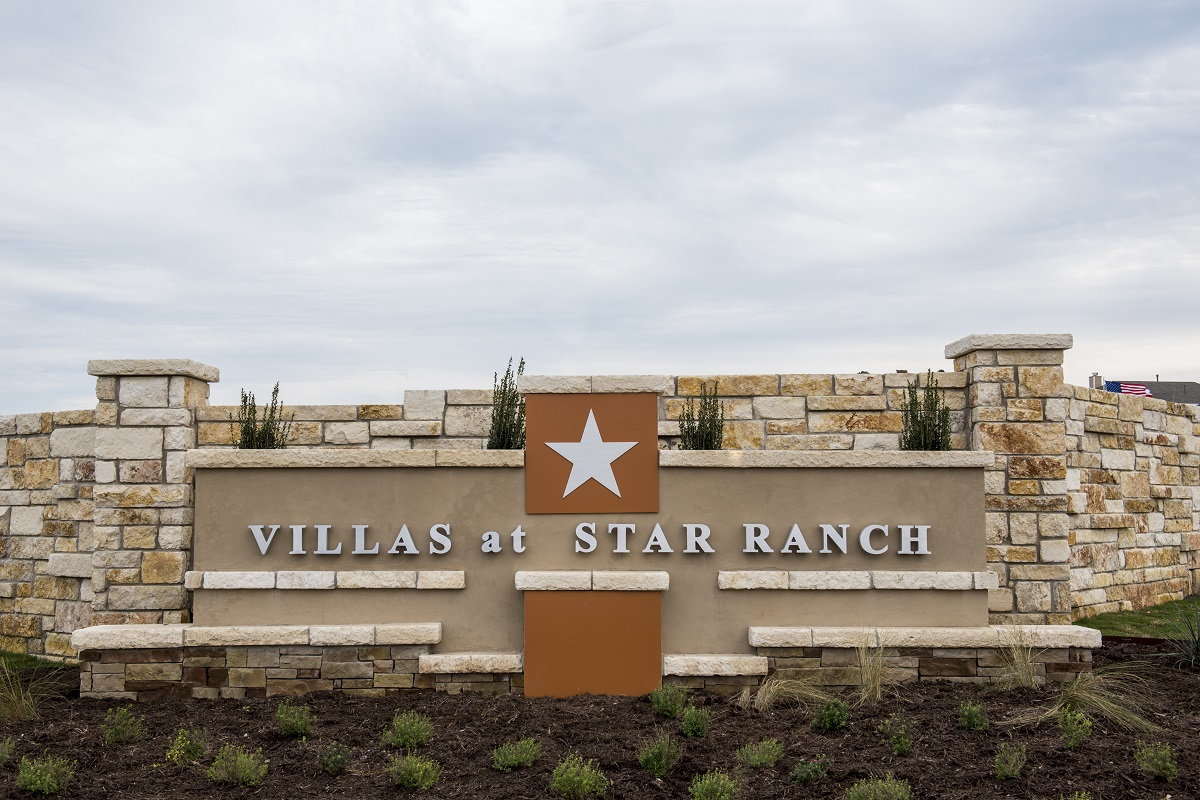 New Homes in Hutto, TX - Villas at Star Ranch Community Entrance