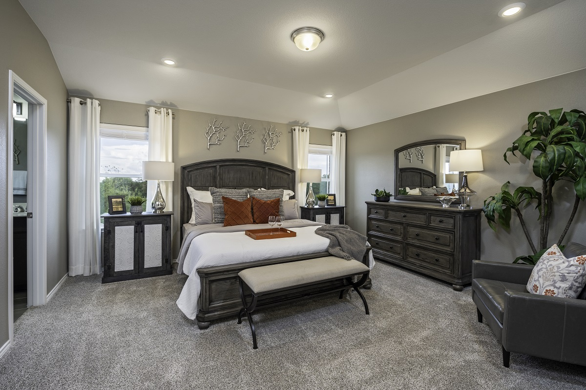 New Homes in Hutto, TX - Villas at Star Ranch Plan F-2038 Master Bedroom
