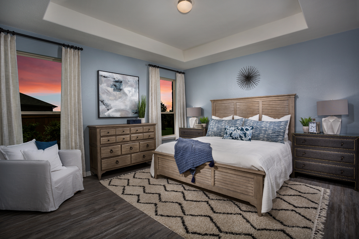 New Homes in Fort Worth, TX - Copper Creek Plan 1813 Owner Suite