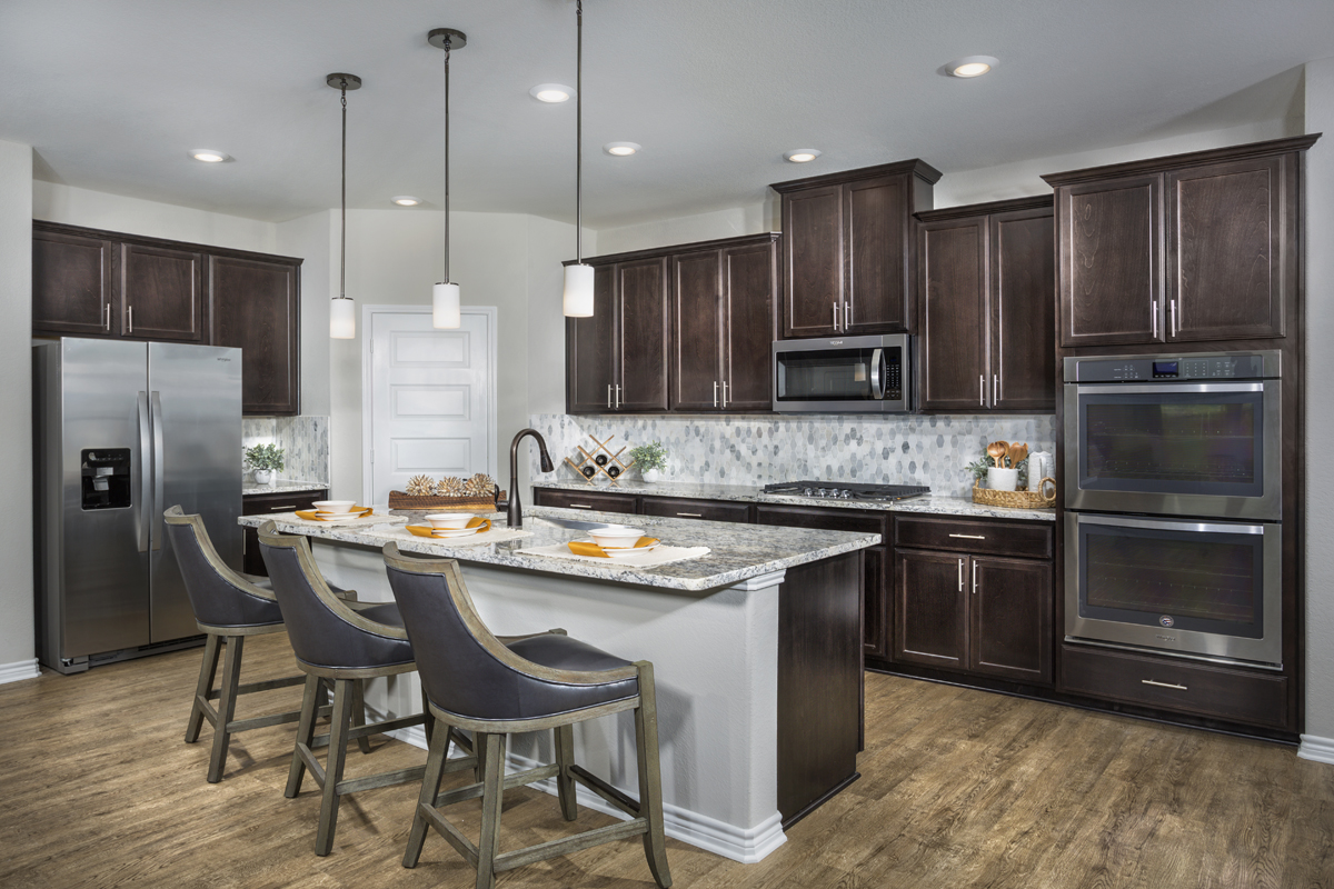 New Homes in Fort Worth, TX - Copper Creek Estates Plan 2085 Kitchen
