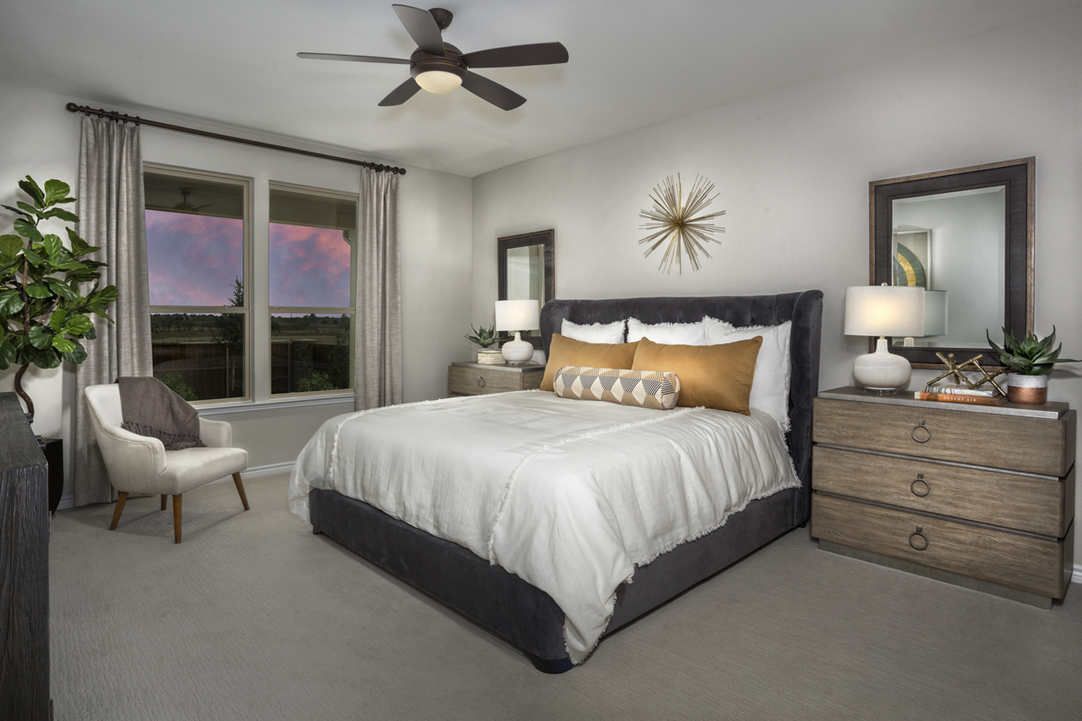 New Homes in Fort Worth, TX - Copper Creek Estates Plan 2085 Master Bedroom
