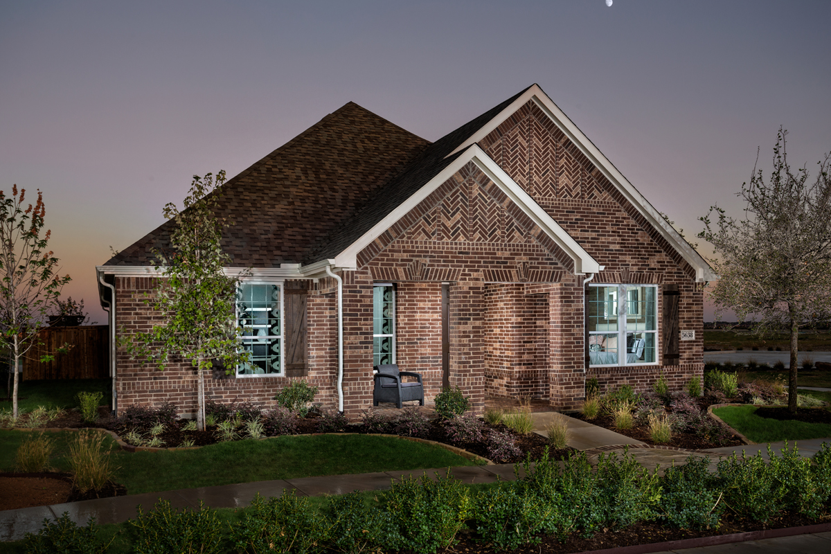 New Homes in Frisco, TX - Retreat at Stonebriar