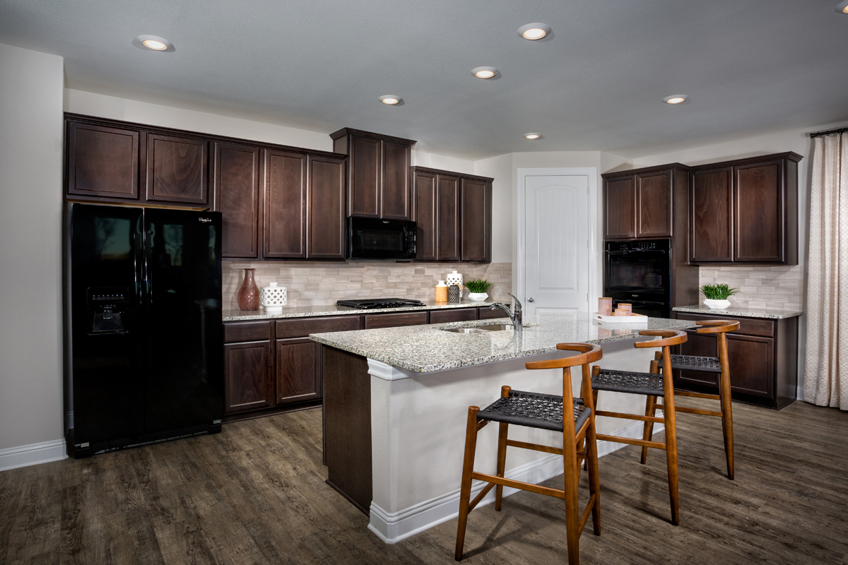 New Homes in Frisco, TX - Retreat at Stonebriar Plan 1833 Kitchen