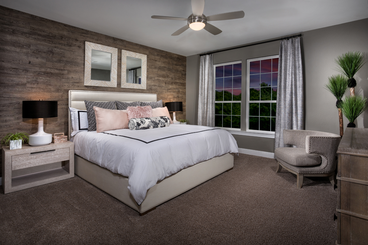 New Homes in Frisco, TX - Retreat at Stonebriar Plan 1833 Master Suite