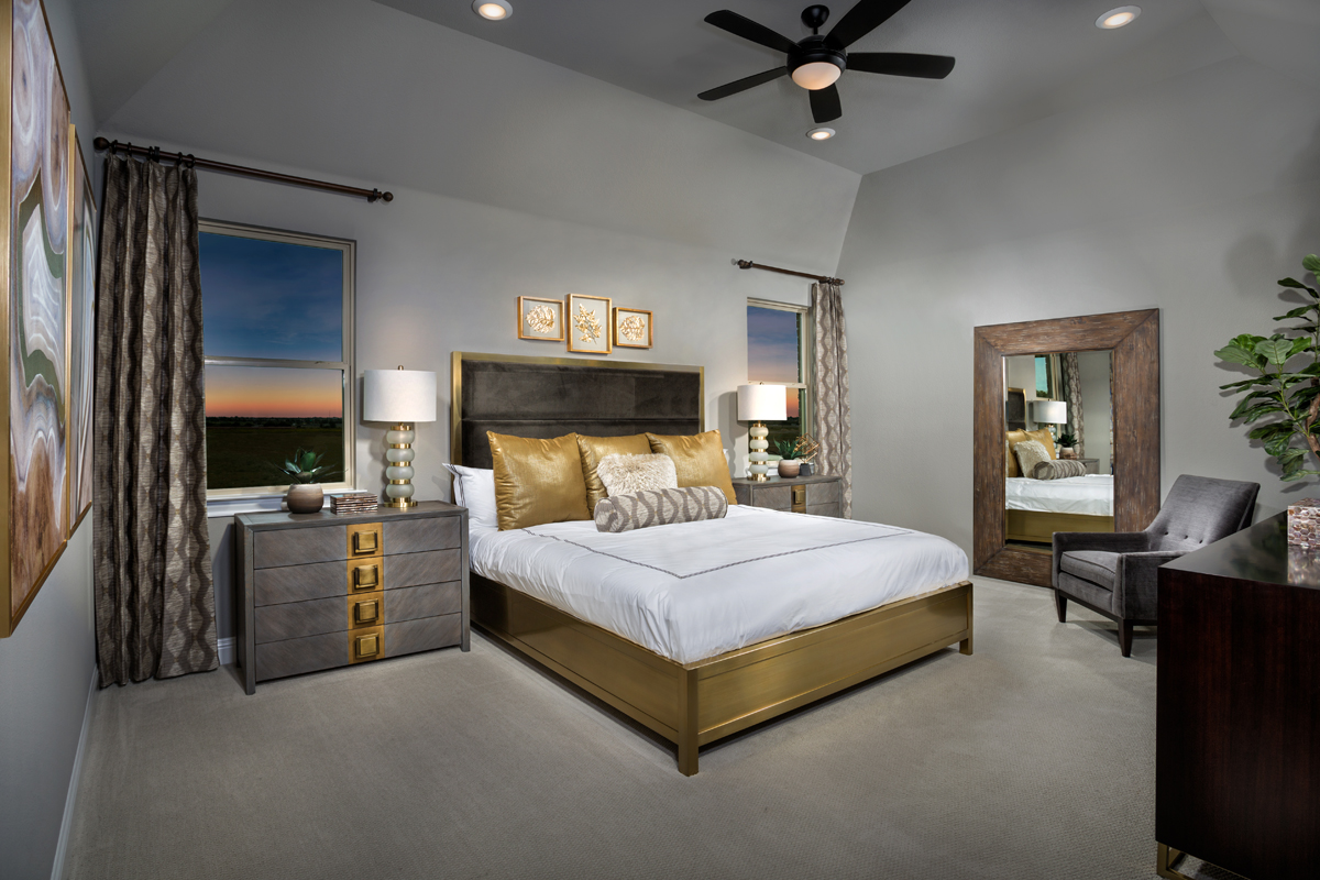 New Homes in Frisco, TX - Retreat at Stonebriar Plan 3301 Master Suite