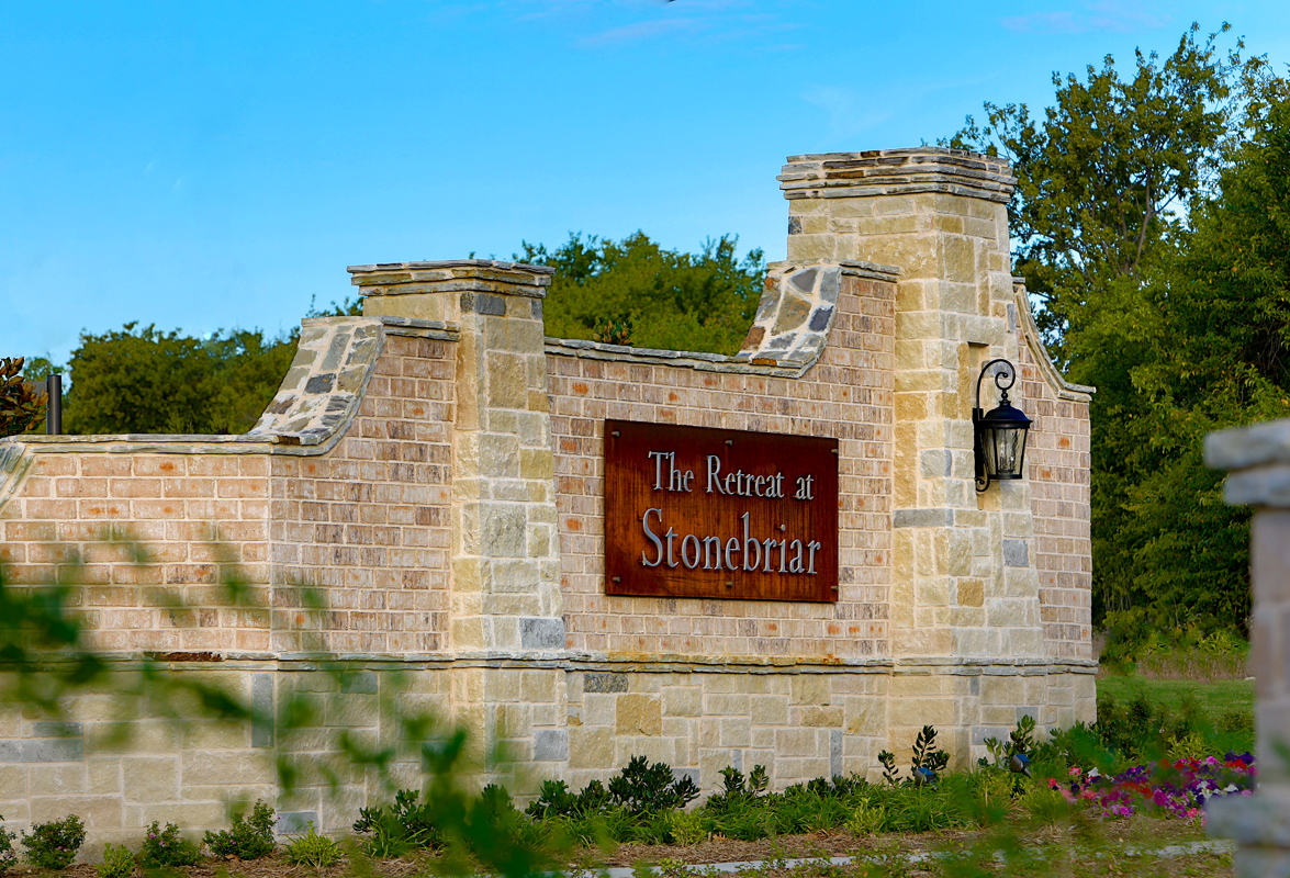 New Homes in Frisco, TX - Retreat at Stonebriar Entry Monument