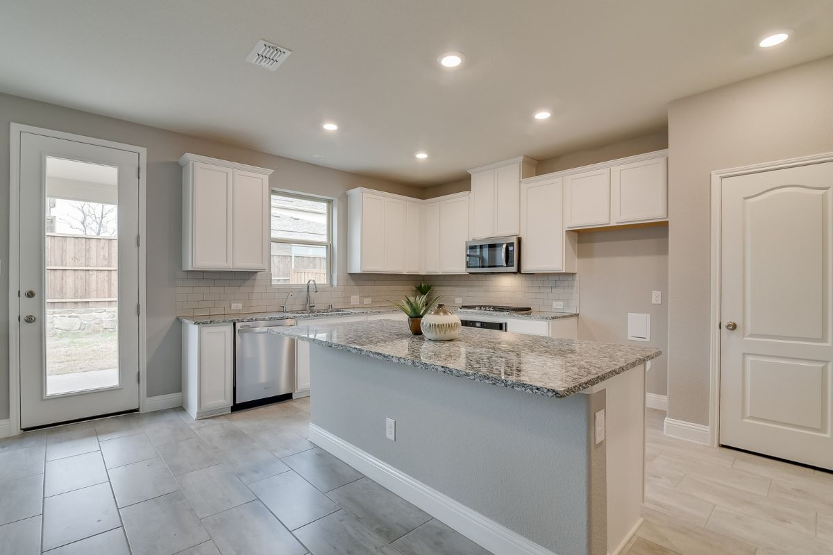 Homesite 10-B-1 Kitchen