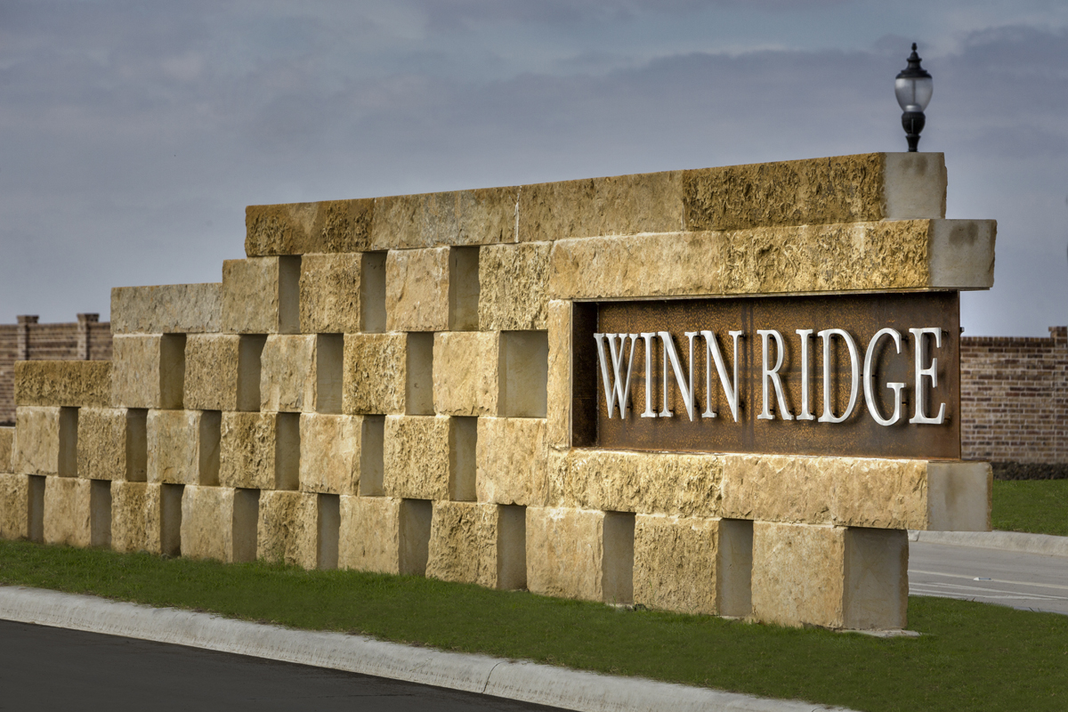 New Homes in Aubrey, TX - Winn Ridge Community Entrance