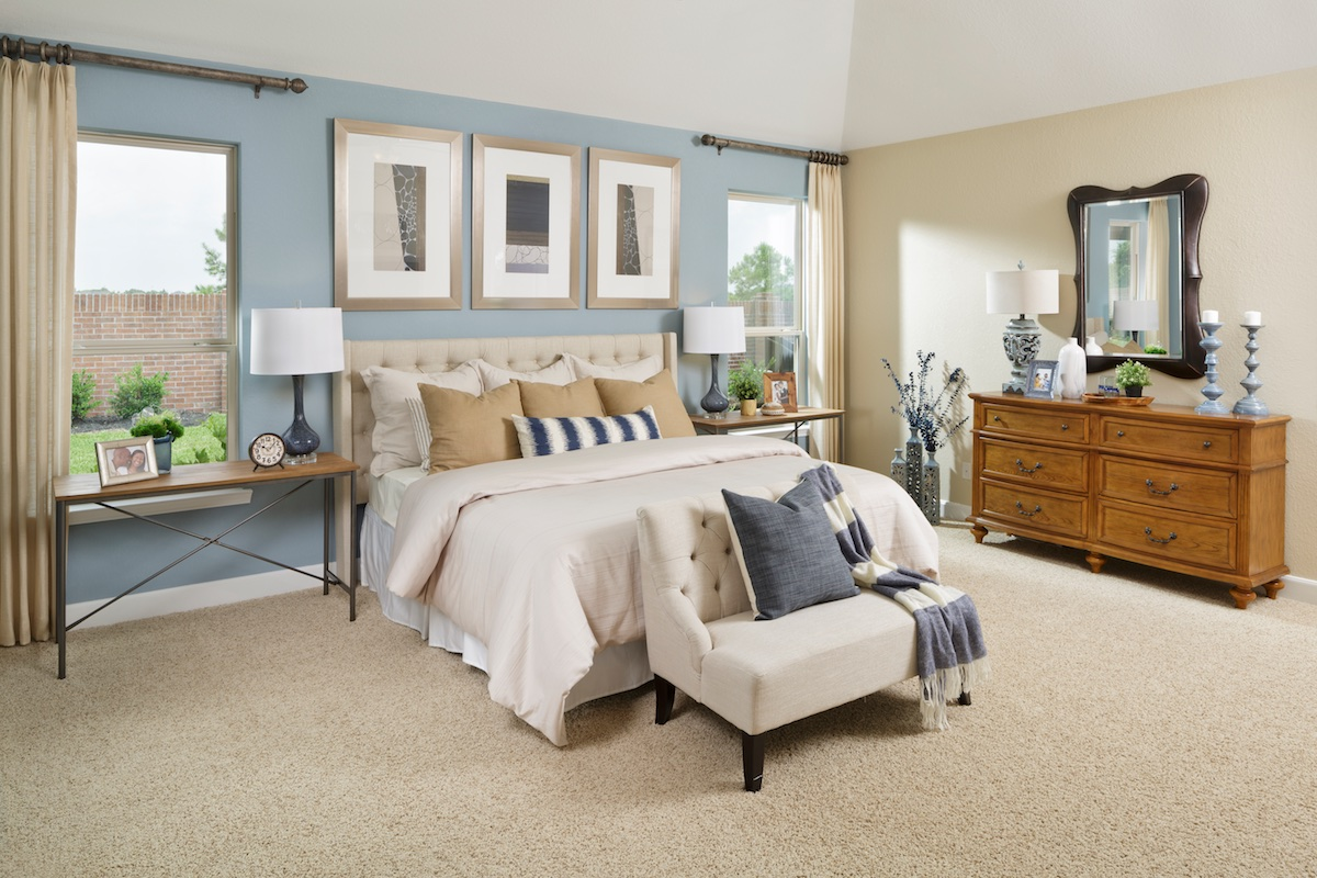 New Homes in Pearland, TX - Shadow Grove Preserve Plan 2130 Master Suite