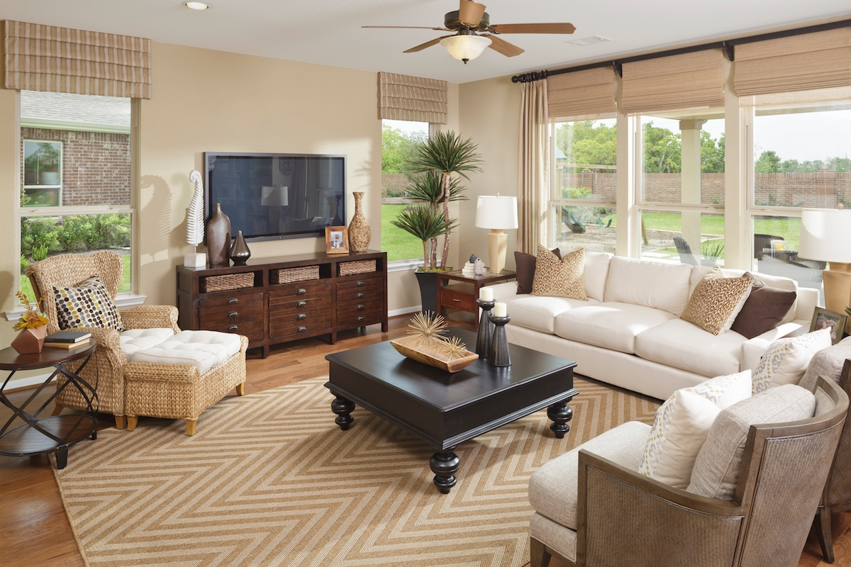 New Homes in Pearland, TX - Shadow Grove Preserve Plan 2478 Living Room