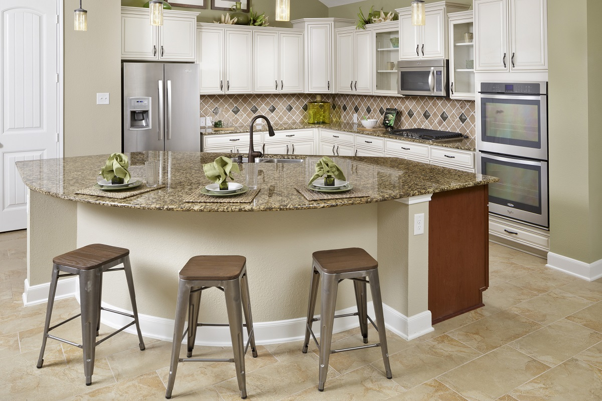 New Homes in Houston, TX - Lakewood Pines Estates Plan 3005 Kitchen