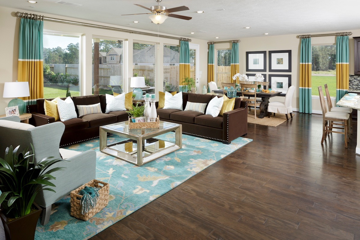 New Homes in Houston, TX - Lakewood Pines Estates Plan 4811 Great Room