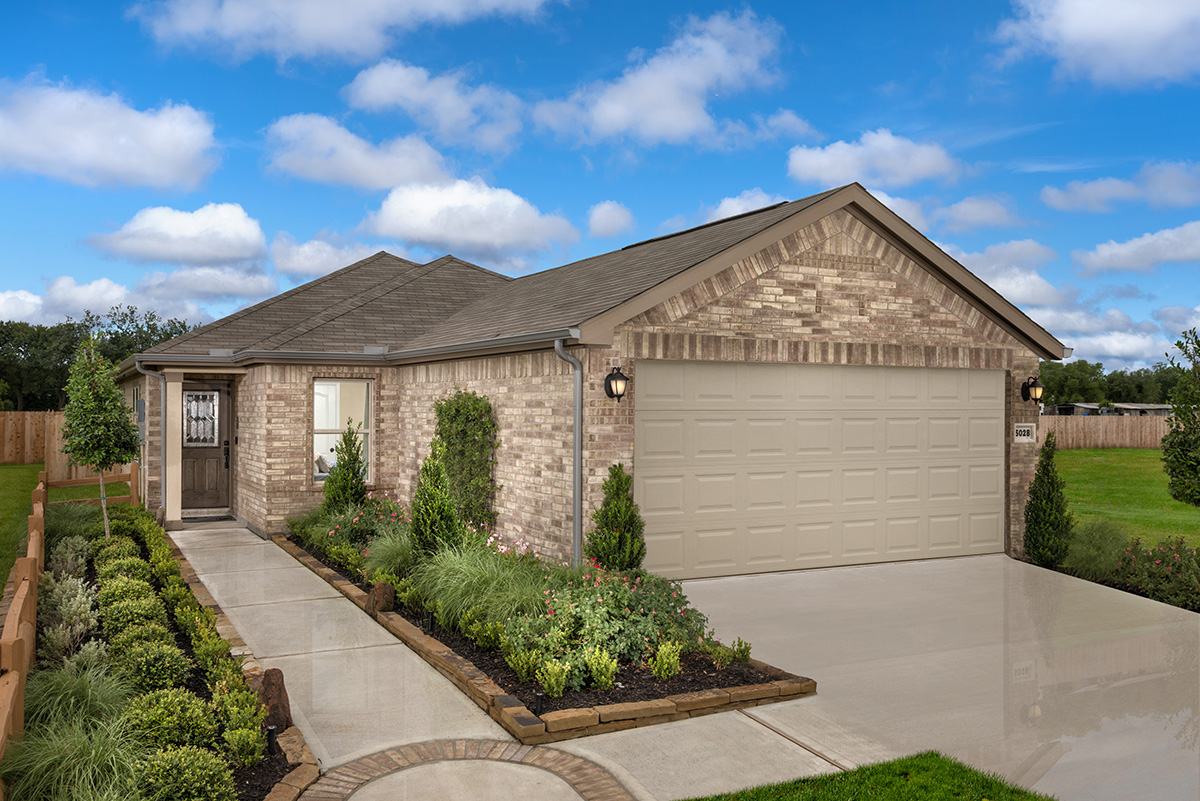 New Homes in Spring, TX - Spring Creek Plan 1585 as modeled at Benson Trace