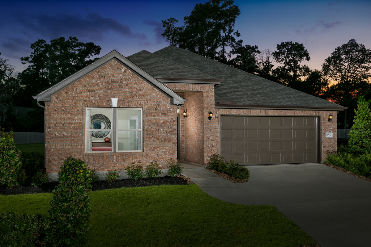 New Homes in Magnolia, TX - Cimarron Creek Preserve Plan 2130 Modeled