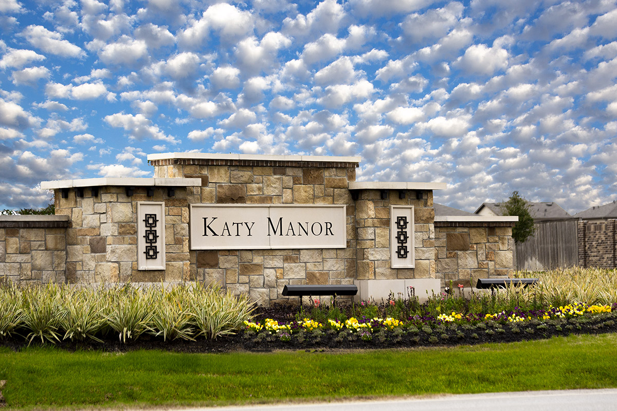 New Homes in Katy, TX - Katy Manor Trails Community Entry