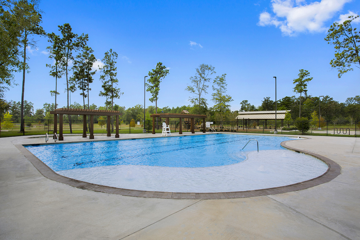New Homes in Houston, TX - Lakewood Pines Estates Resort-style Pool