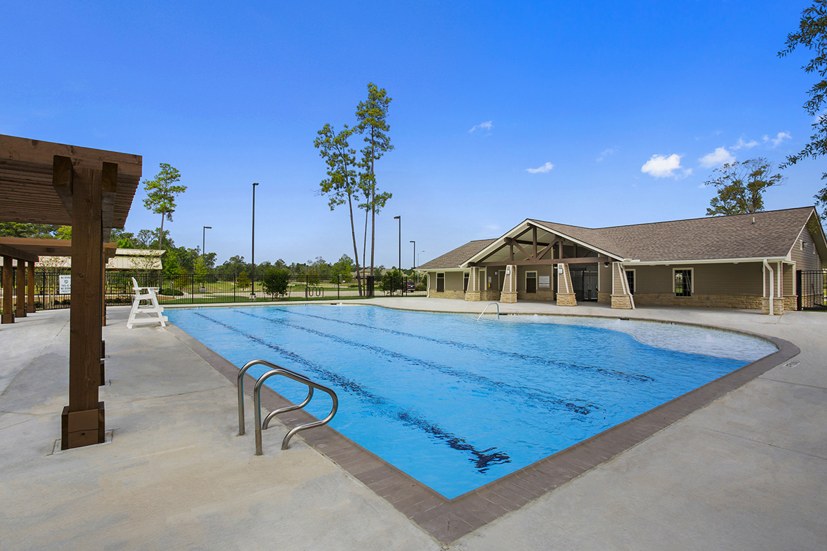 New Homes in Houston, TX - Lakewood Pines Estates Community Pool and Clubhouse