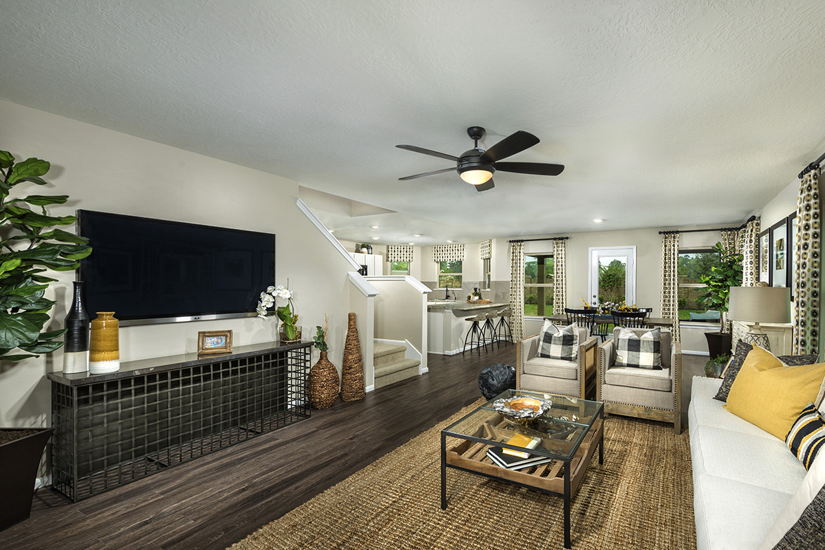 New Homes in Houston, TX - Lakewood Pines Trails Plan 2124 Great Room