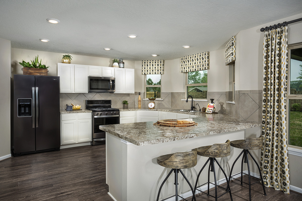 New Homes in Houston, TX - Lakewood Pines Trails Plan 2124 Kitchen