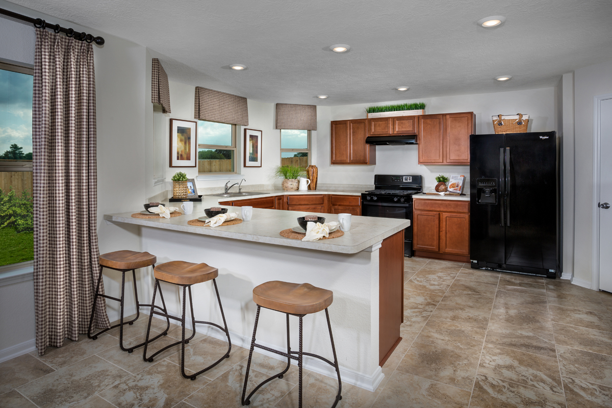 New Homes in Houston, TX - Mills Creek Crossing Plan 2124 Kitchen