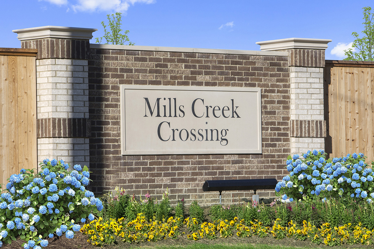 New Homes in Houston, TX - Mills Creek Crossing Community Entrance