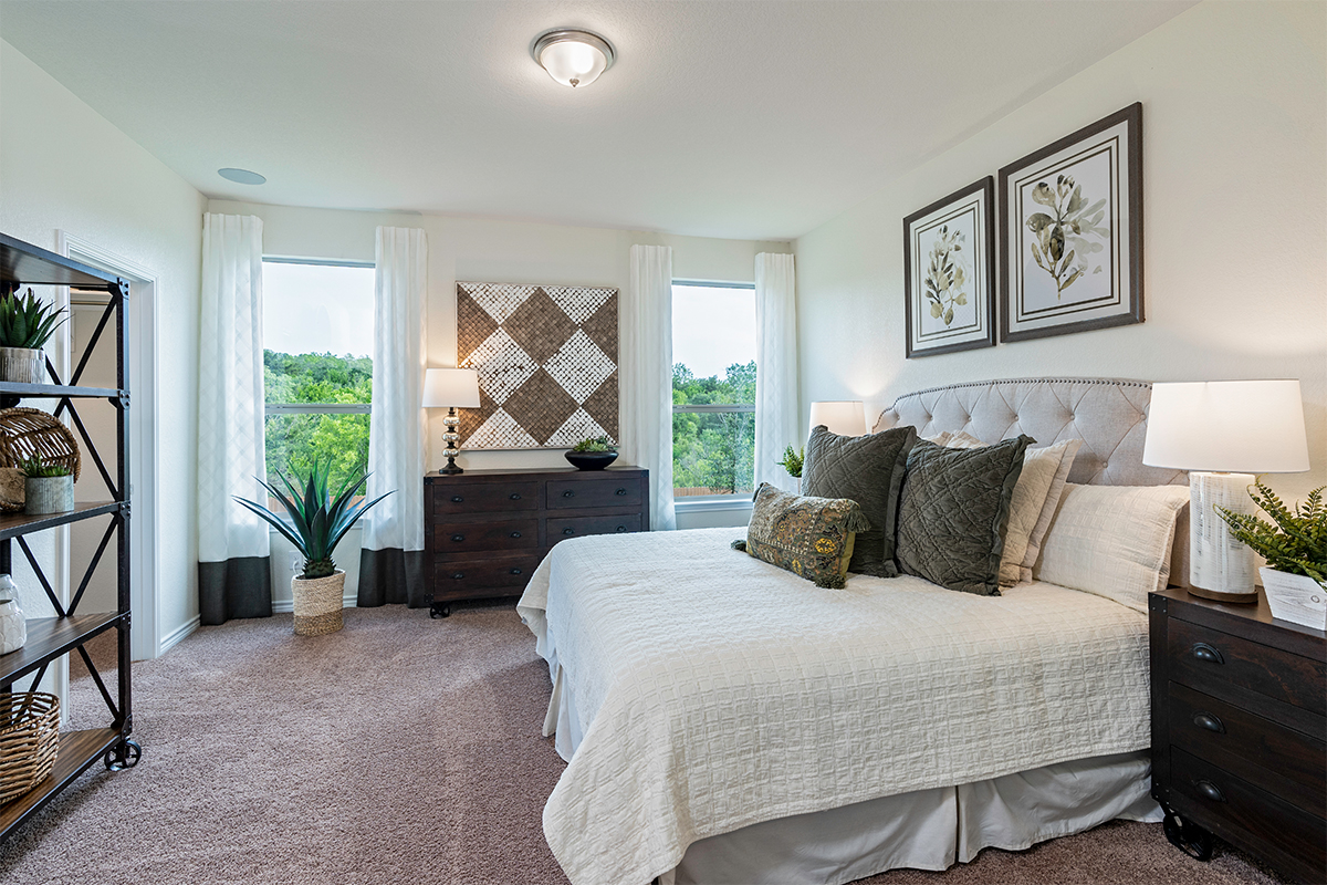 New Homes in San Antonio, TX - Champions Landing The 1516 Master Bedroom
