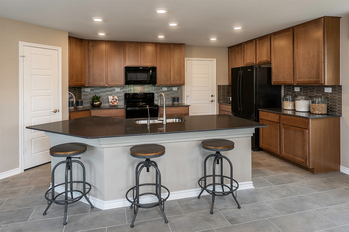 New Homes in San Antonio, TX - Champions Landing The 2403 Kitchen