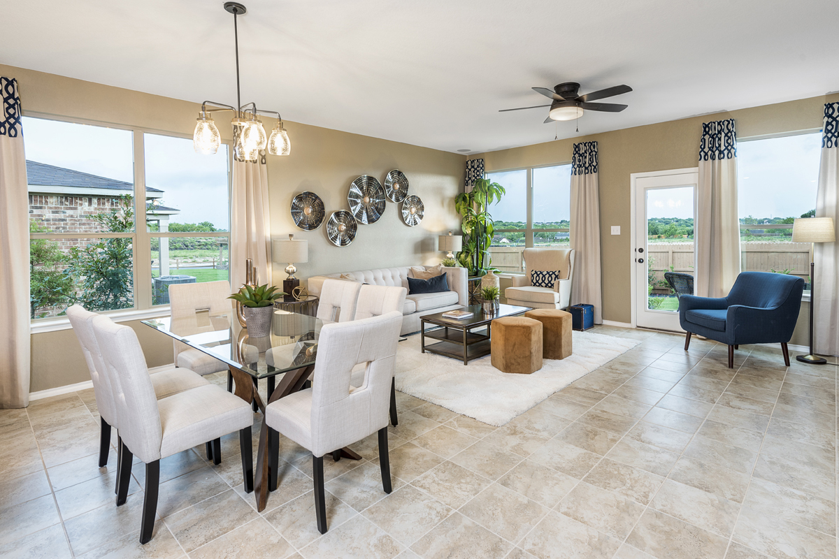 New Homes in Universal City, TX - Copano Ridge The 2004 Great Room