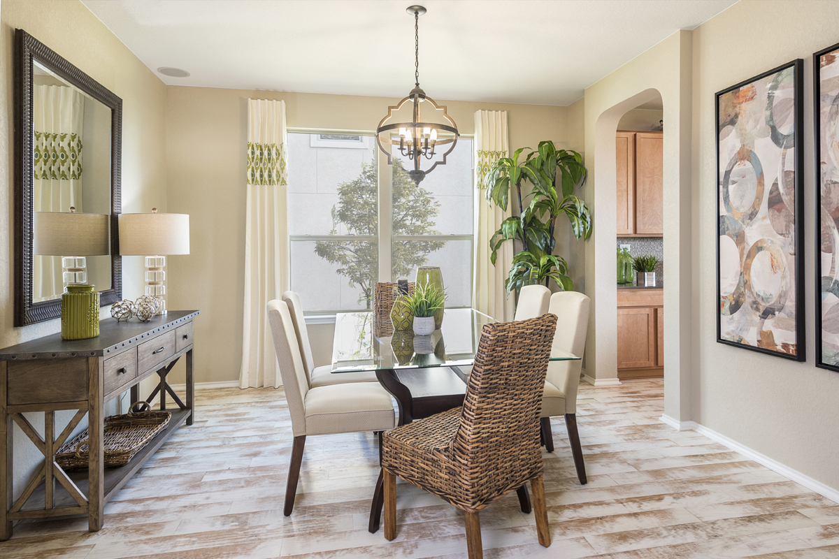 New Homes in Universal City, TX - Copano Ridge The 2502 Dining