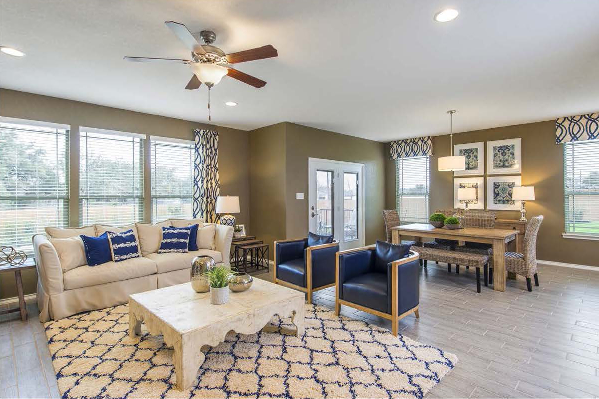 New Homes in San Antonio, TX - CrossCreek - Classic Collection The 2382 Great Room