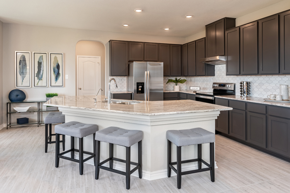 New Homes in New Braunfels, TX - Deer Crest - Classic Collection Plan 2755 Kitchen