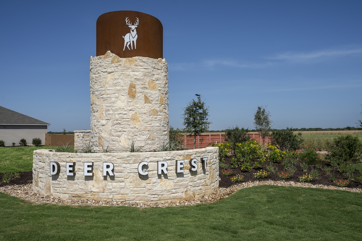 New Homes in New Braunfels, TX - Deer Crest - Classic Collection Community Entry