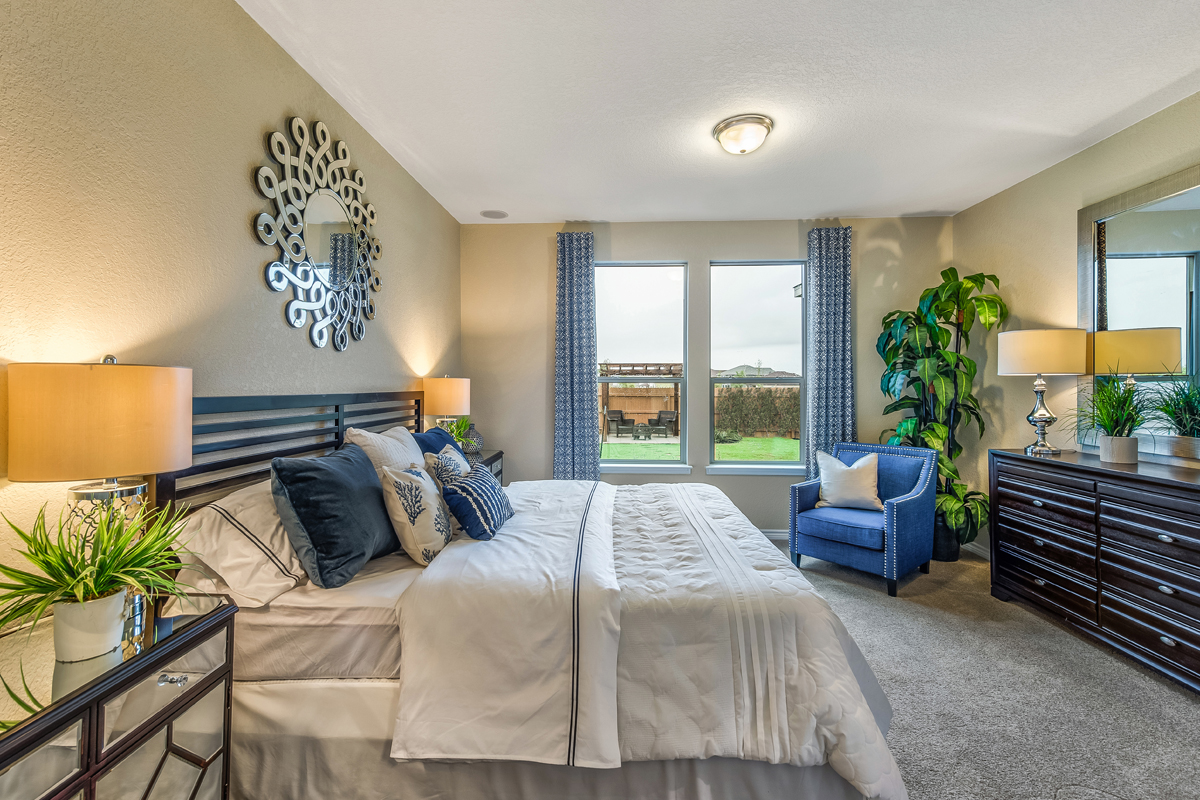 New Homes in San Antonio, TX - Falcon Landing The 2700 Master Bedroom