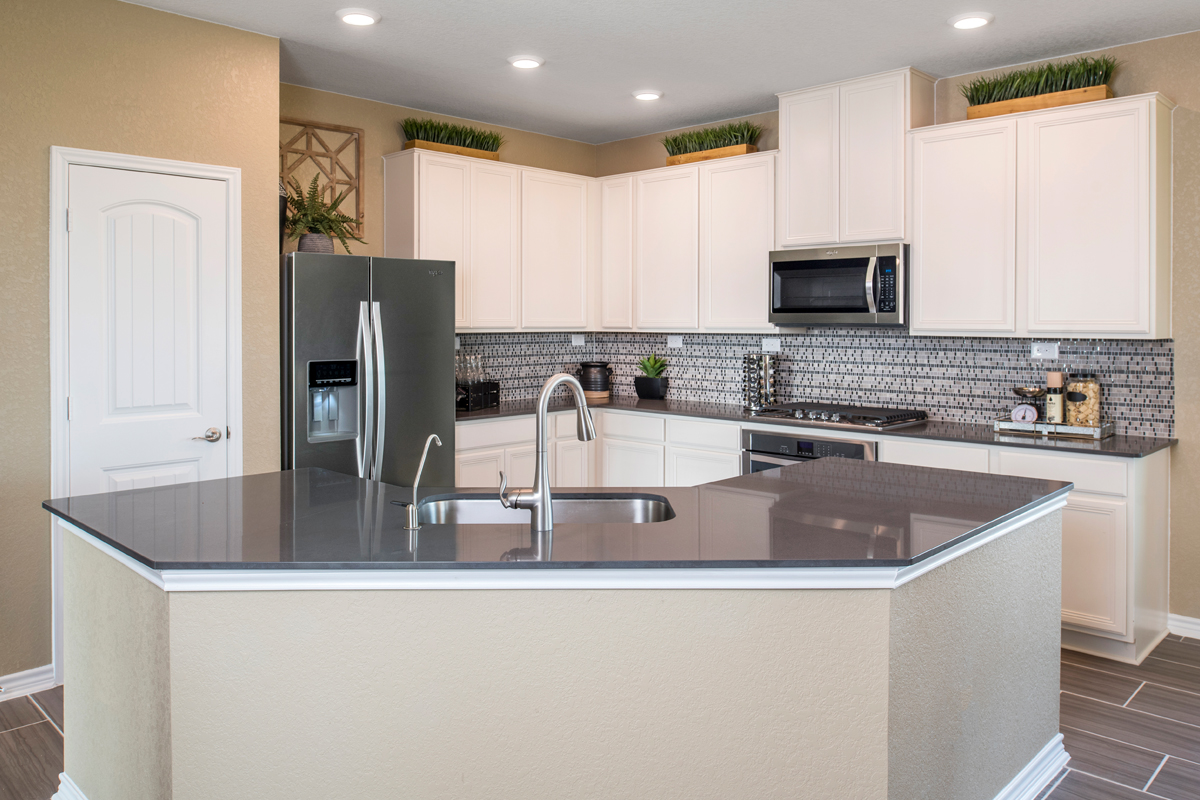 New Homes in San Antonio, TX - Hidden Bluffs at TRP The 2004 Kitchen