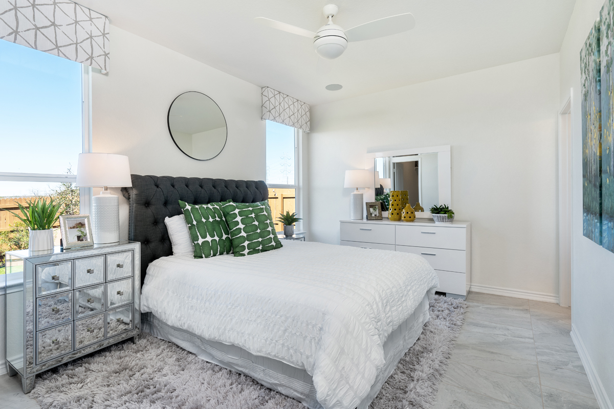 New Homes in Converse, TX - Sky View The 1417 Master Bedroom
