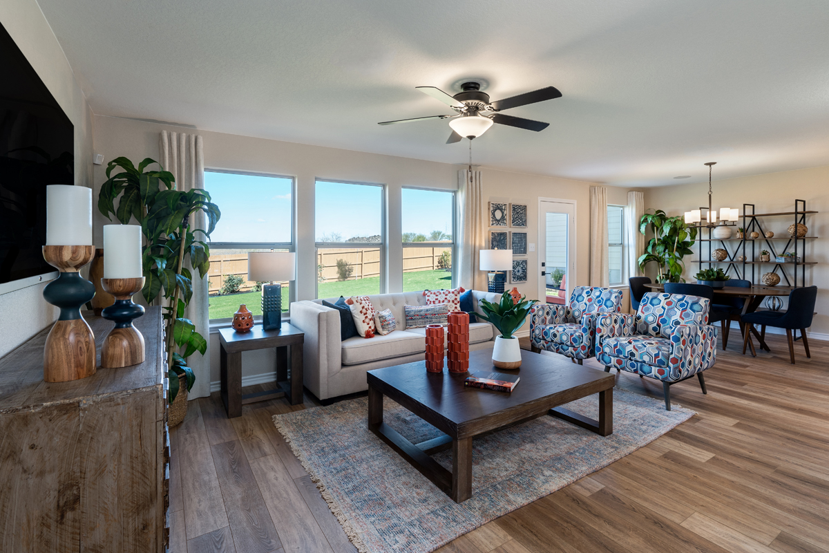 New Homes in Converse, TX - Sky View The 1772 Great Room