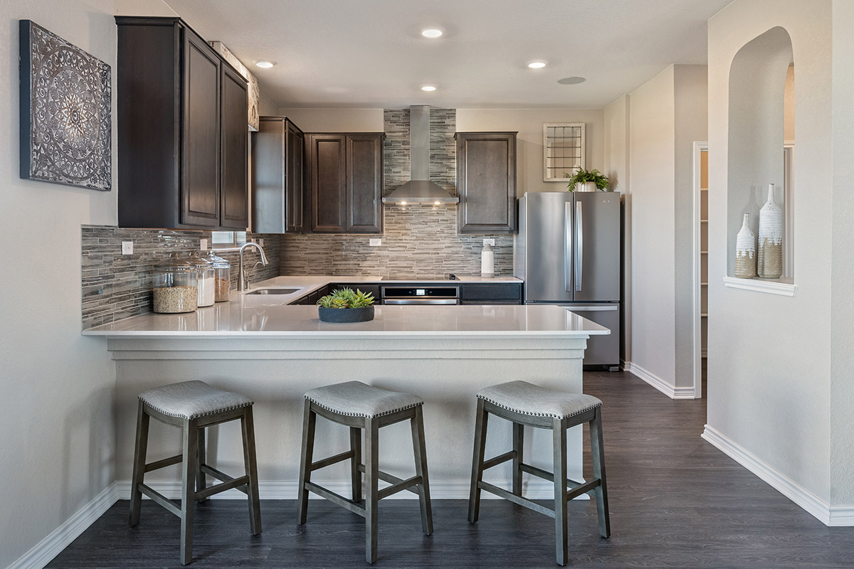New Homes in Converse, TX - Sky View The 2088 Kitchen