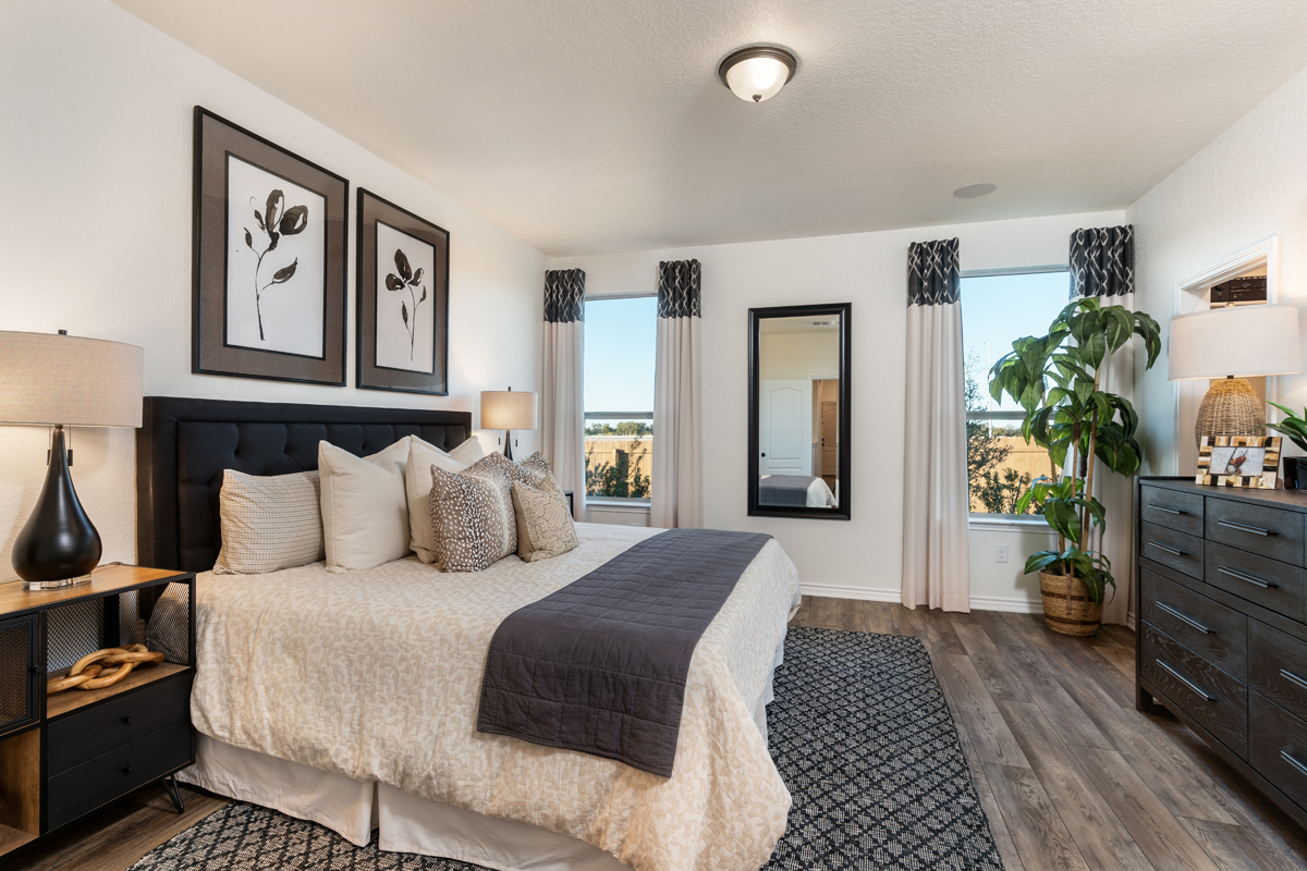 New Homes in Seguin, TX - Woodside Farms Plan 1516 Master Bedroom