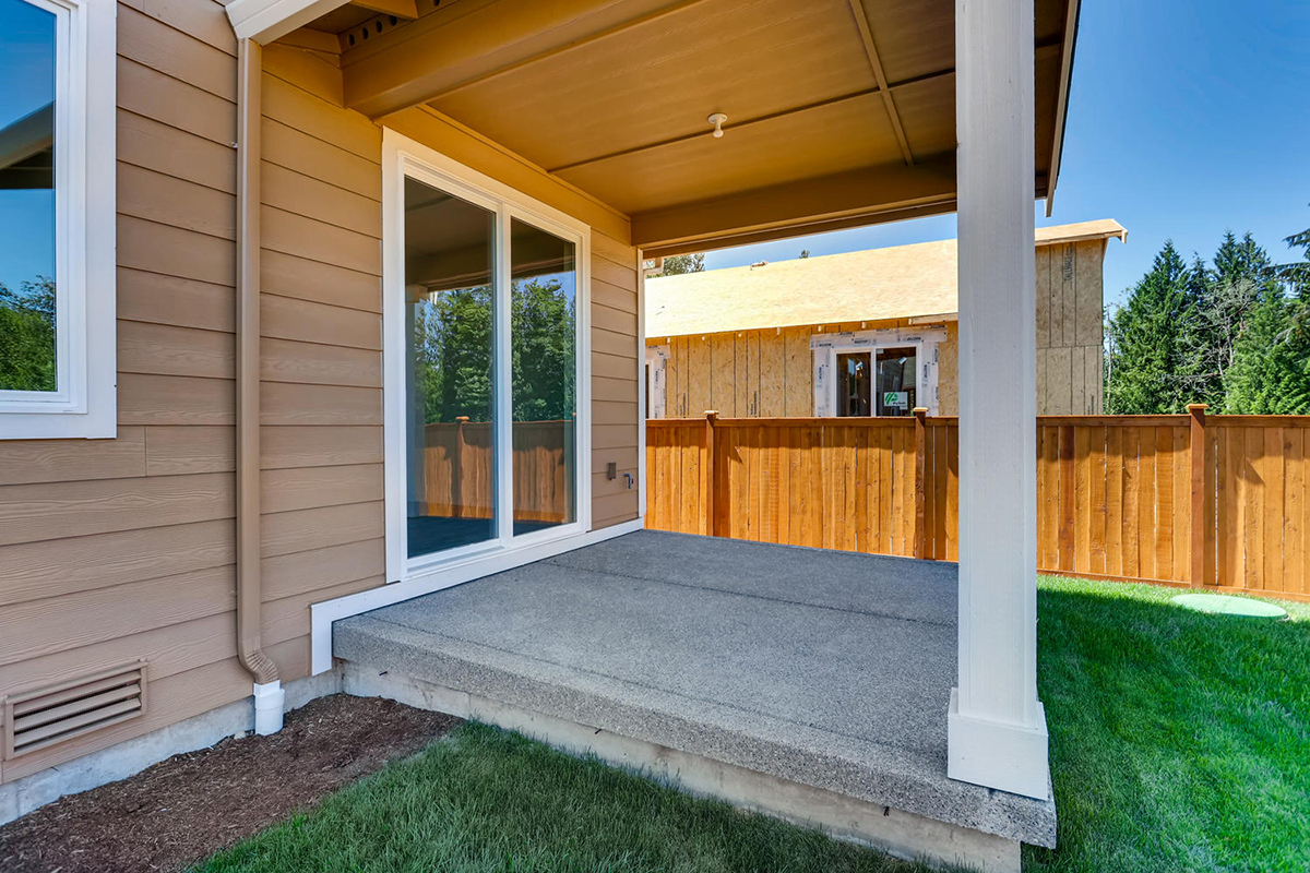 New Homes in Bonney Lake, WA - Falling Water Covered Patio